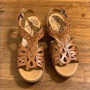 BareTraps wedge sandals 7 1/2